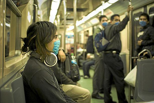 Mascarillas en el metro.