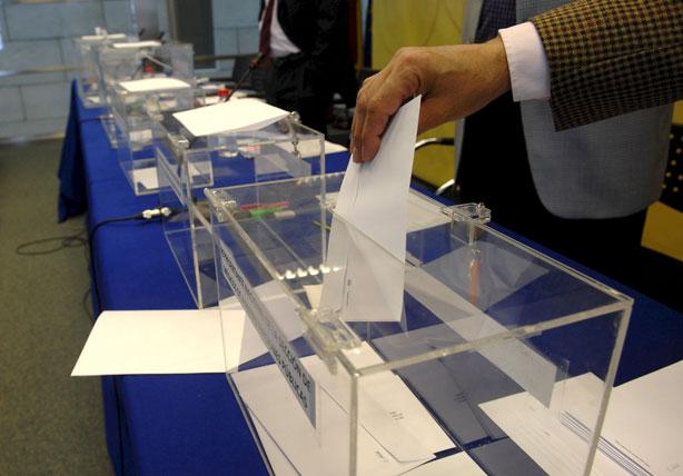 Imagen de archivo de la votación en unas elecciones.