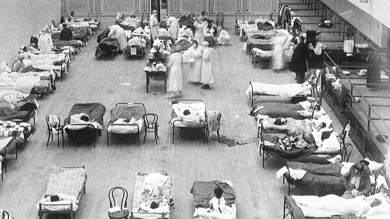 Un centro sanitario durante la pandemia de gripe de 1918.