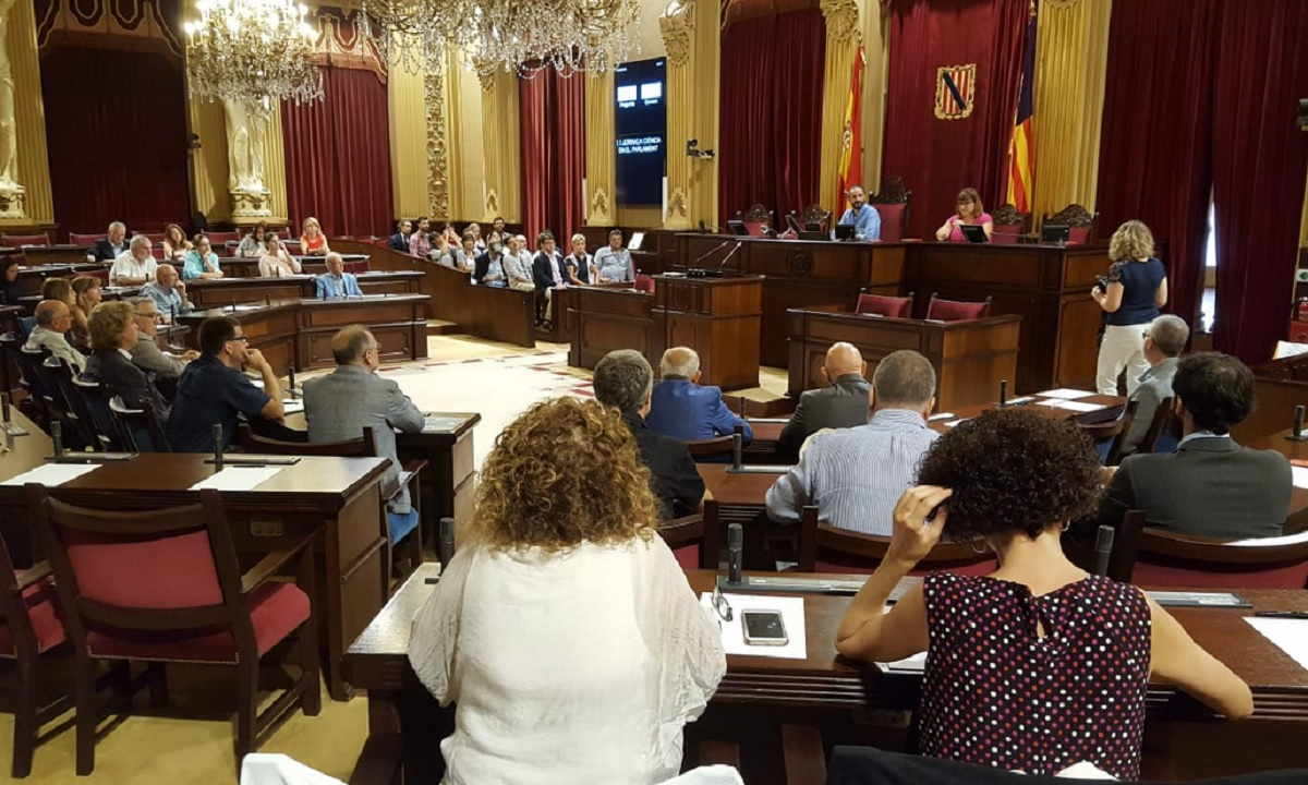 Jornada Ciencia en el Parlamento en Baleares