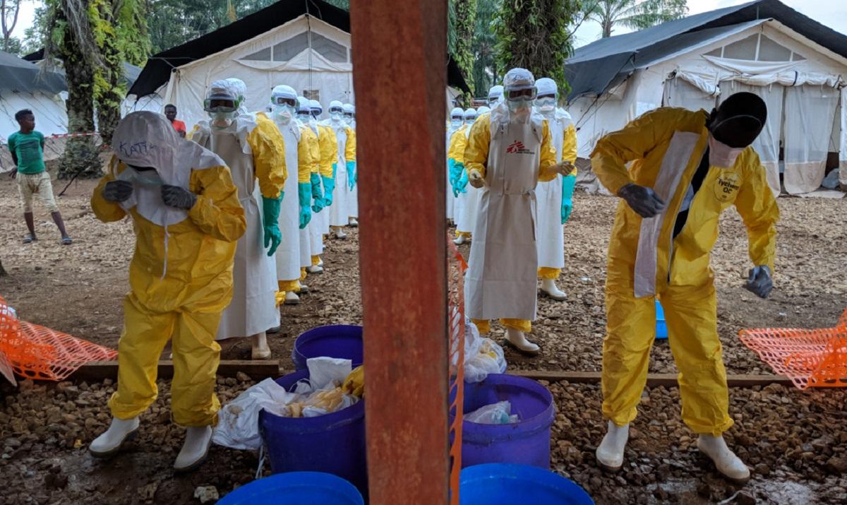Centro de Tratamiento para el Ébola en Mangina