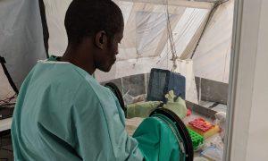 Centro para el tratamiento del Ébola en Mangina