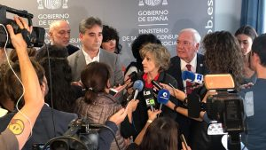 Mar�a Luisa Carcedo y Florentino Pérez Raya