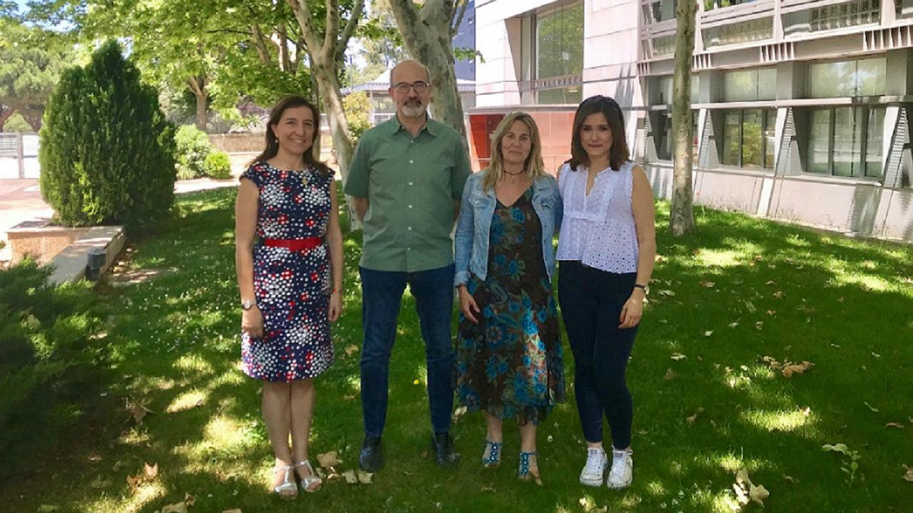 Paola Otero, Carlos Bocos, Maribel Panadero y Elena Fauste, ,miembros del grupo de investigación Nutrigenómica y programación fetal, de la Universidad CEU San Pablo