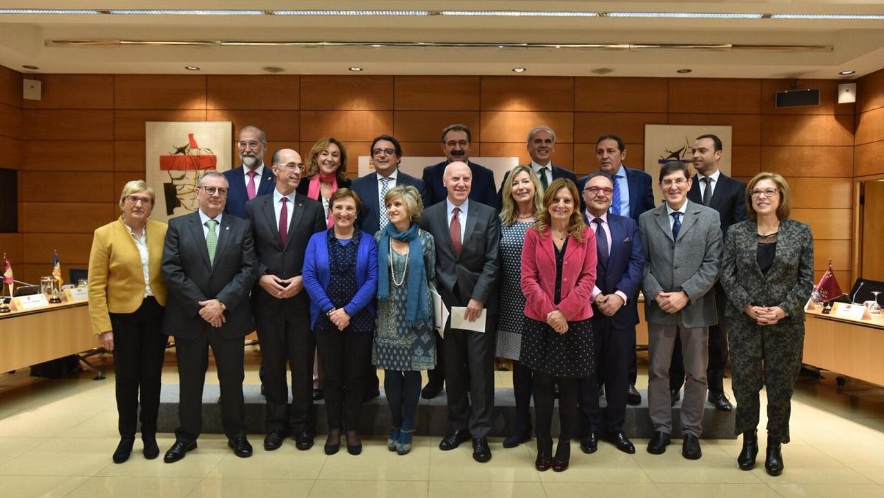 Foto de familia del Consejo Interterritorial de Sanidad, con la ministra y los consejeros autonómicos, que se está celebrando este jueves en el ministerio.
