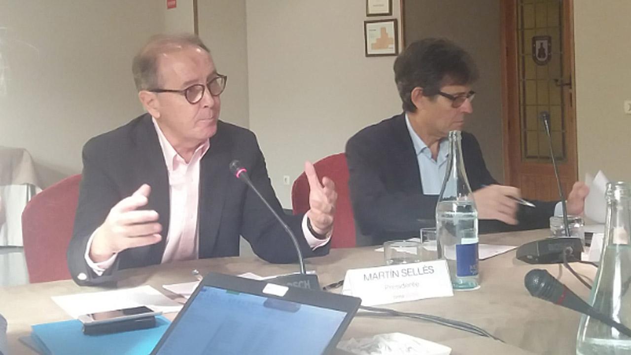 Martín Sellés, presidente de Farmaindustria, junto a Humberto Arnés, director general de la patronal.