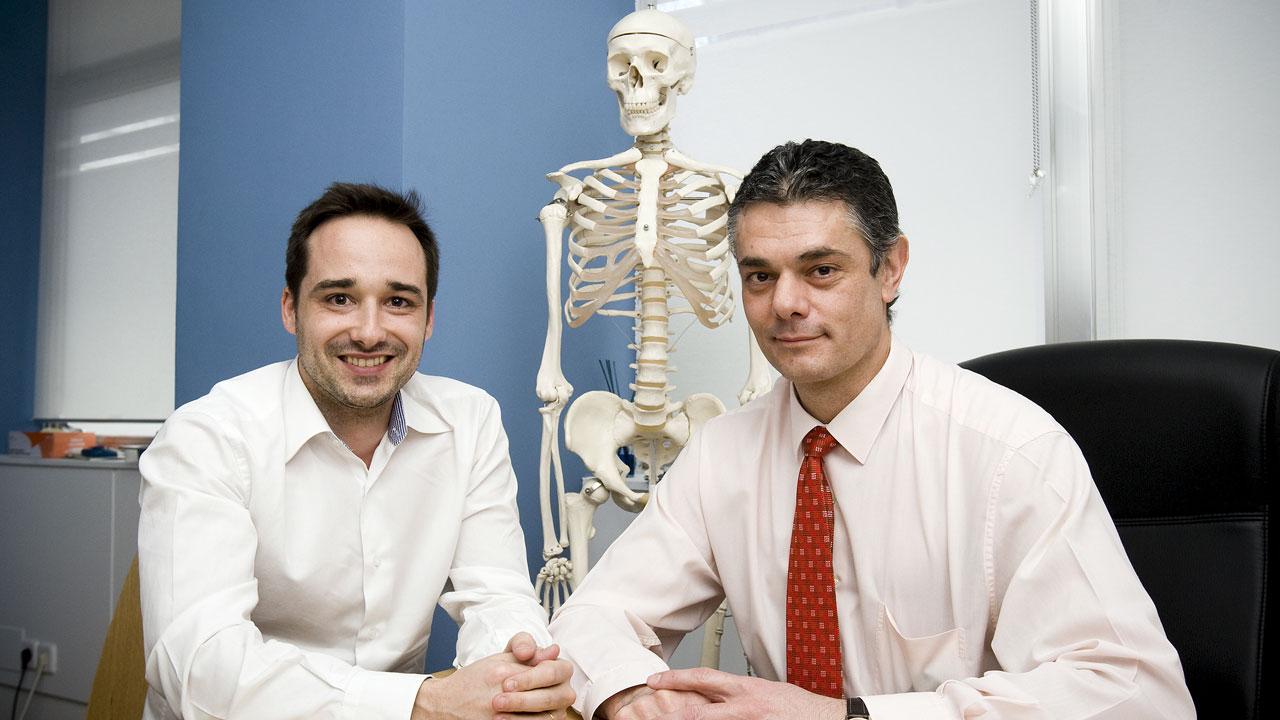 Álvaro Iborra y Manuel Villanueva, , especialistas del Hospital Beata María Ana y directores de la clínica Avanfi, ambas en Madrid.