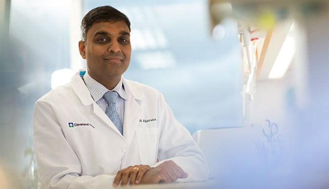 Alok Khorana, profesor del Departamento de Hematología y Oncología Médicas de la Clínica Cleveland
