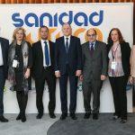 Fotos de familia con Vytenis Andriukaitis, comisario europeo de Salud, durante en el encuentro Sanidad Futura