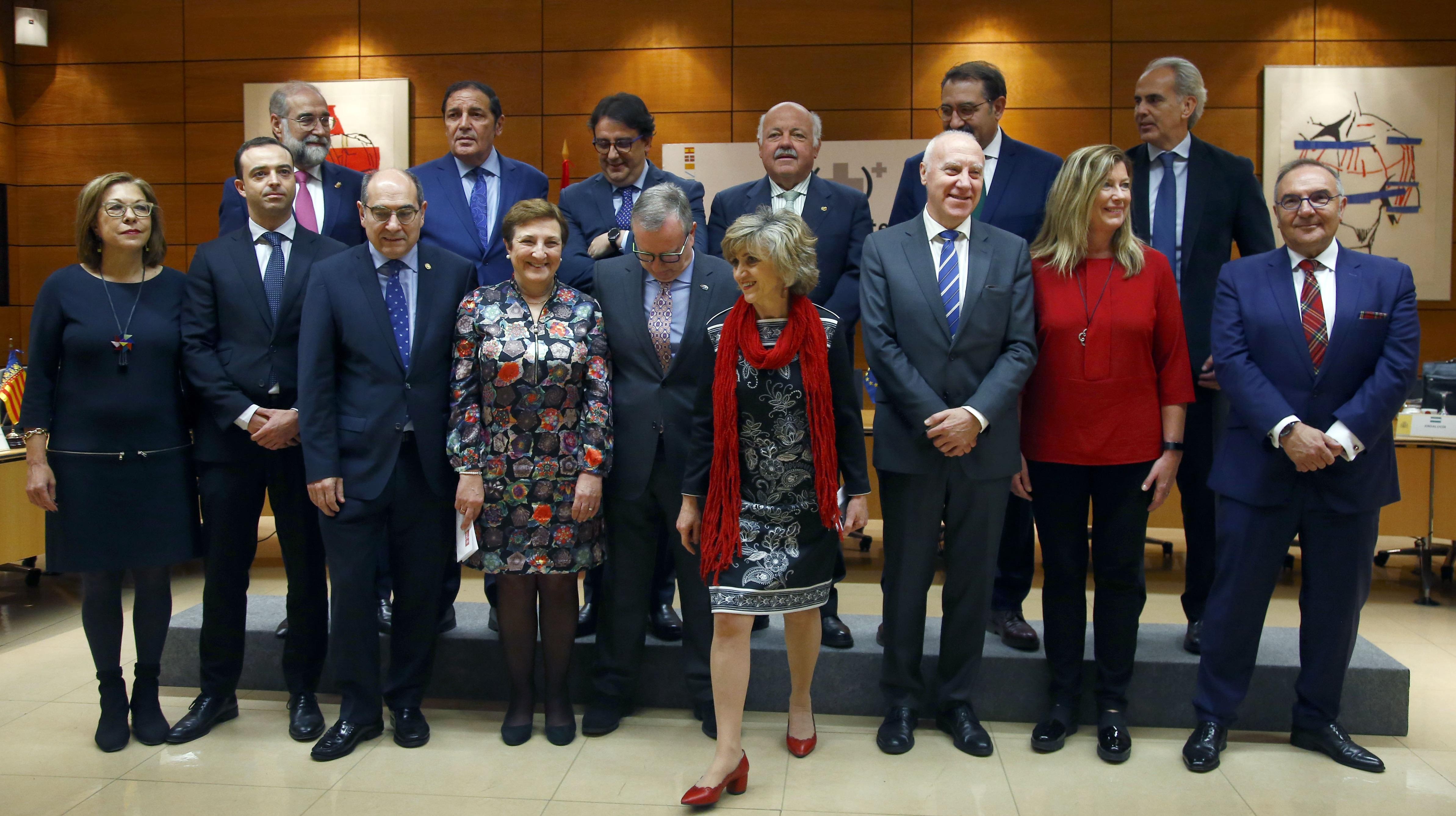 Consejo Interritorial, con la ministra y los consejeros autonómicos antes de empezar la reunión.