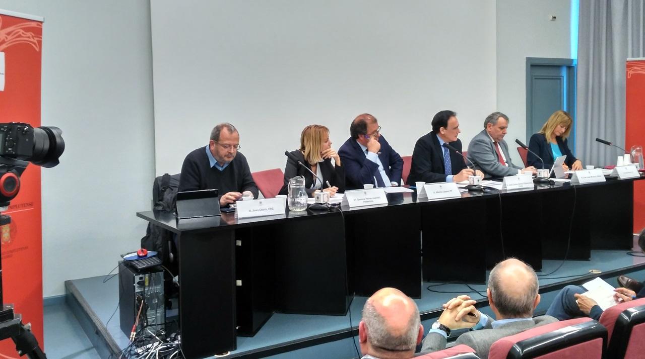 Debate sobre ciencia ante las elecciones generales de abril de 2019, organizado este lunes en Madrid por la Cosce. Joan Oloriz (ERC), Gemma Heras-Juaristi (Podemos), Juan José Moreno (PSOE), Luis Serrano, (presidente de SOMMa y moderador), Alberto (PP) e Irene Rivera (Ciudadanos).