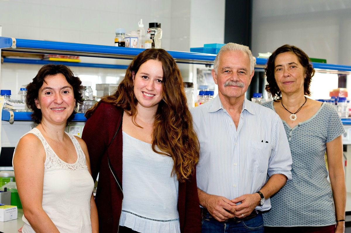 los investigadores Roser Urreizti, Laura Castilla, Daniel Grinberg y Susana Balcells, del Grupo de Investigación en Genética Molecular Humana de la UB y el IBUB, el CIBERER y el Instituto de Investigación Sant Joan de Déu (IRSJD).
