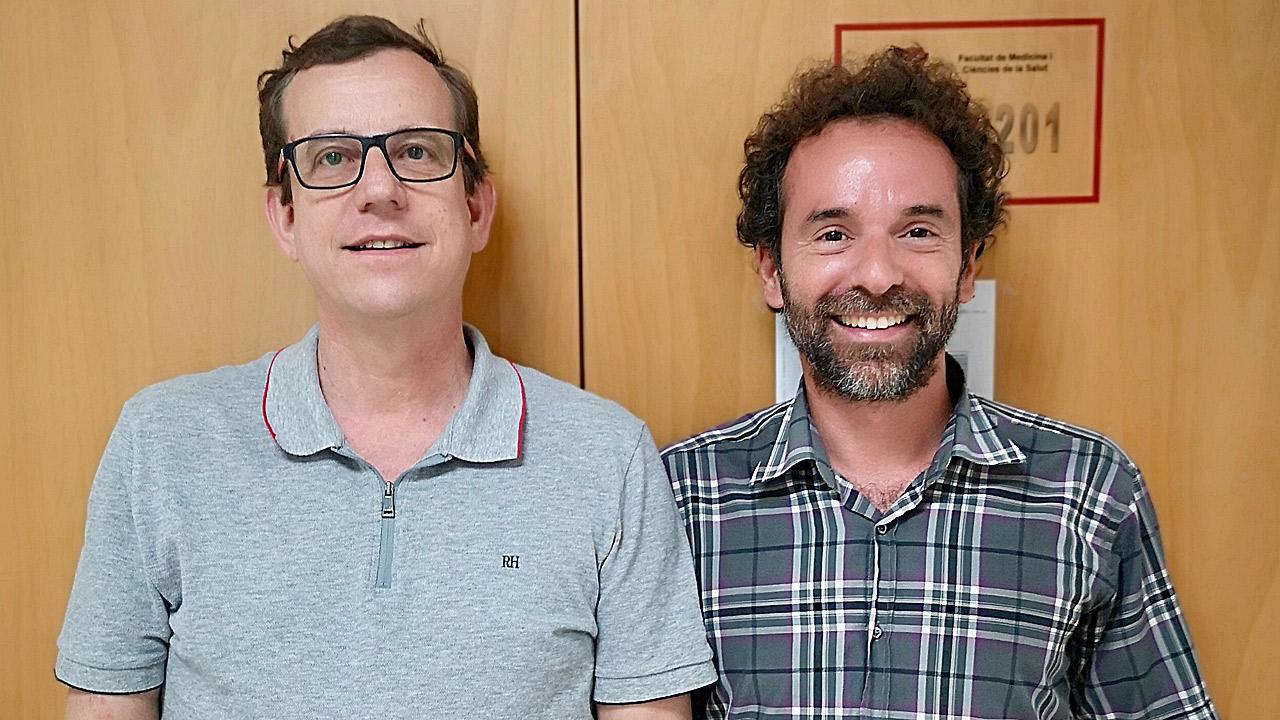 Jordi Salas-Salvadó y Christopher Papandreou, de la Unidad de Nutrición Humana del Departamento de Bioqu�mica y Biotecnolog�a de la URV, y autores del estudio.