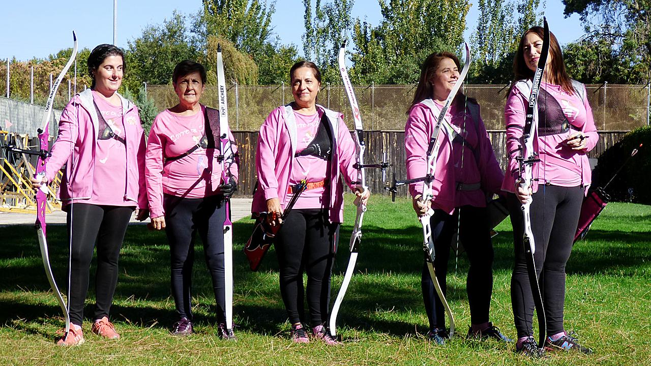Arqueras Rosas del programa del Hospital QuirónSalud de Madrid y la Fundación La Vida en Rosa.