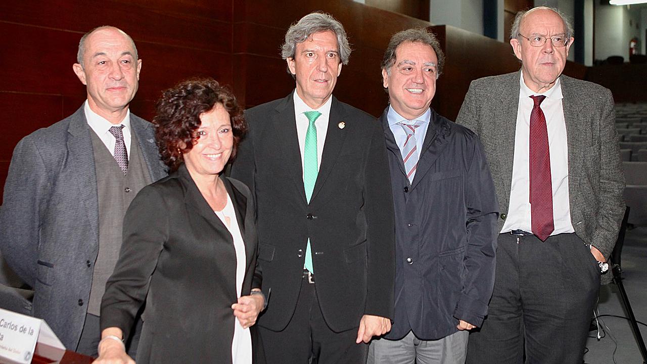 Antonio Montes, María Teresa Ruiz Cantero, Miguel Ángel Sánchez Chillón, Juan Carlos de la Pinta y Julián Álvarez Escudero, en la presentación del Día del Dolor