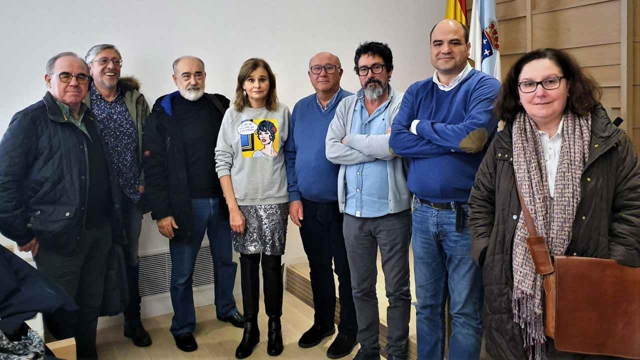 Ramón Barreiro, quinto por la izquierda, con el resto del nuevo comité ejecutivo de CESM-Galicia.