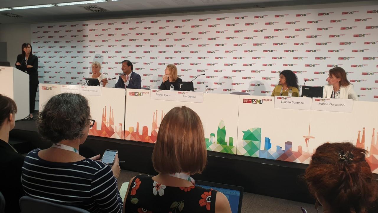 Pilar Garrido, Isabelle Ray-Coquard, Suresh Ramalingam, Solange Peters, Susana Banarjee y Marina Garassino.