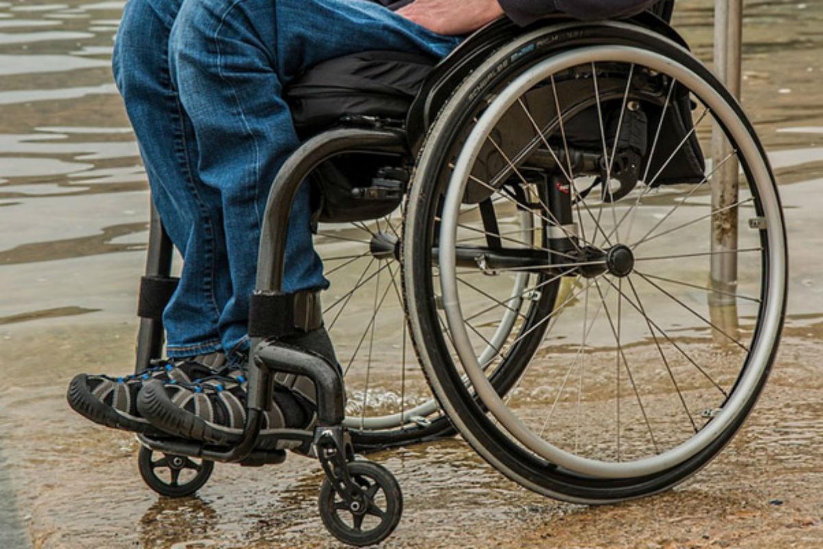 Paciente en silla de ruedas.