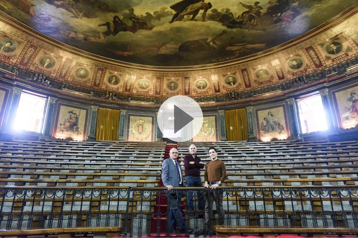 J.J. Rodríguez Sendín, Carlos Barra y Antonio Pujol de Castro, en el Gran Anfiteatro del Colegio de Médicos de Madrid.