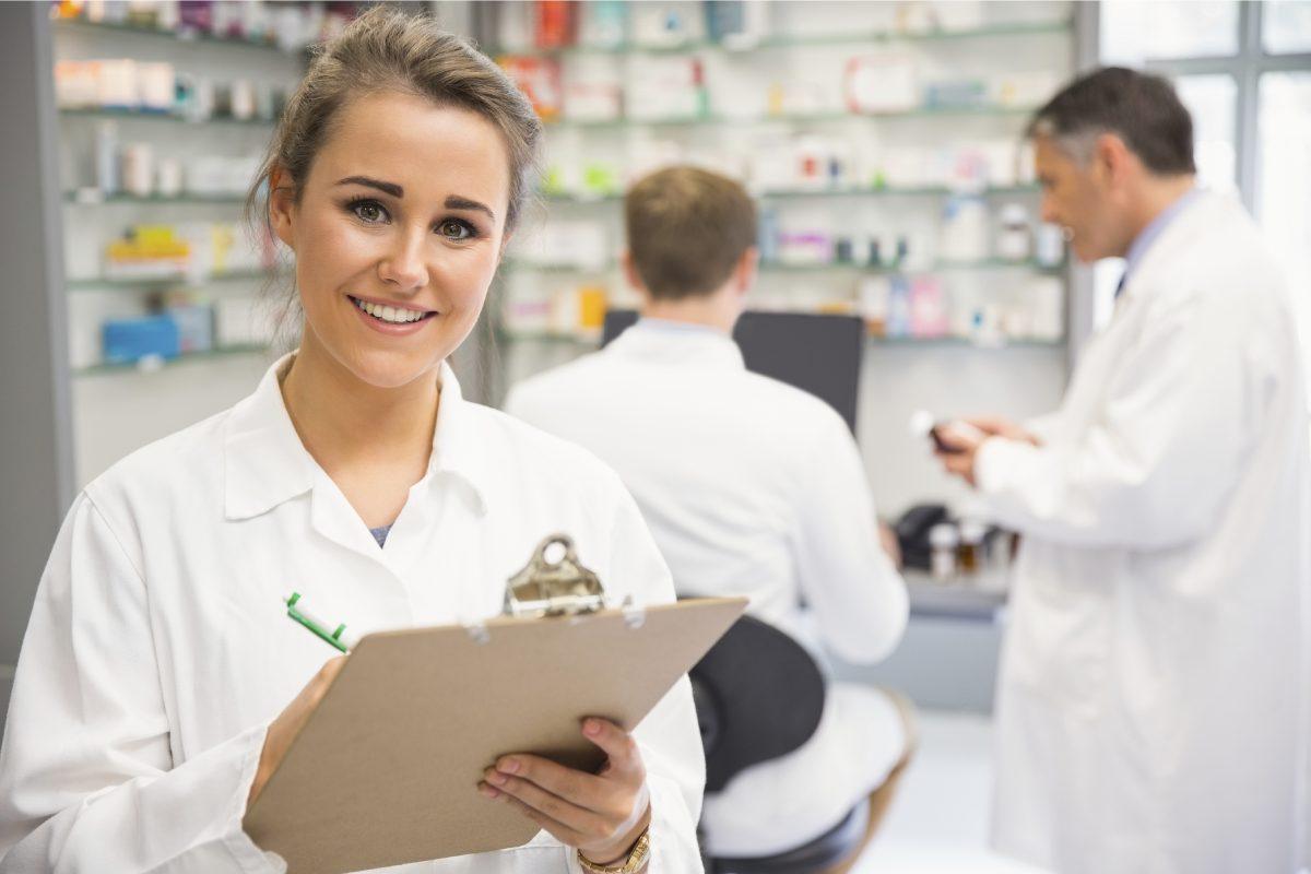 El documento de la FIP recoge pautas actualizadas para el farmacéutico para hacer frente al Covid-19.