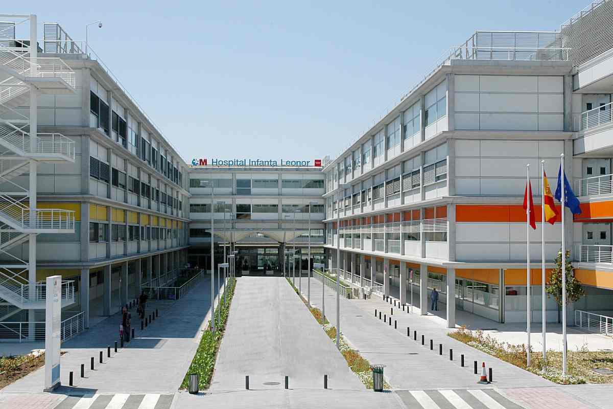 Fachada del Hospital Infanta Leonor, en el madrileño barrio de Vallecas.