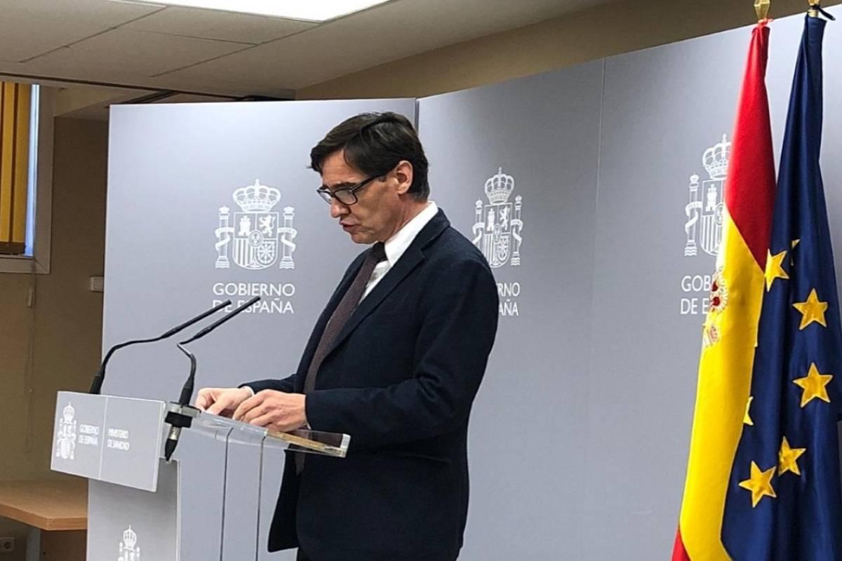 El ministro de Sanidad, Salvador Illa, informa de la evolución de la enfermedad en España.