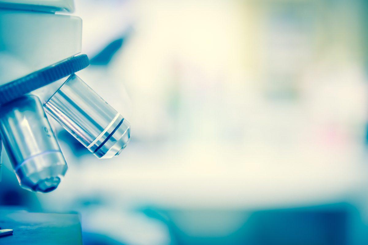 Estudios muestran que el nuevo coronavirus es capaz de unirse al receptor de la enzima convertidora de angiotensina 2 (ACE2).