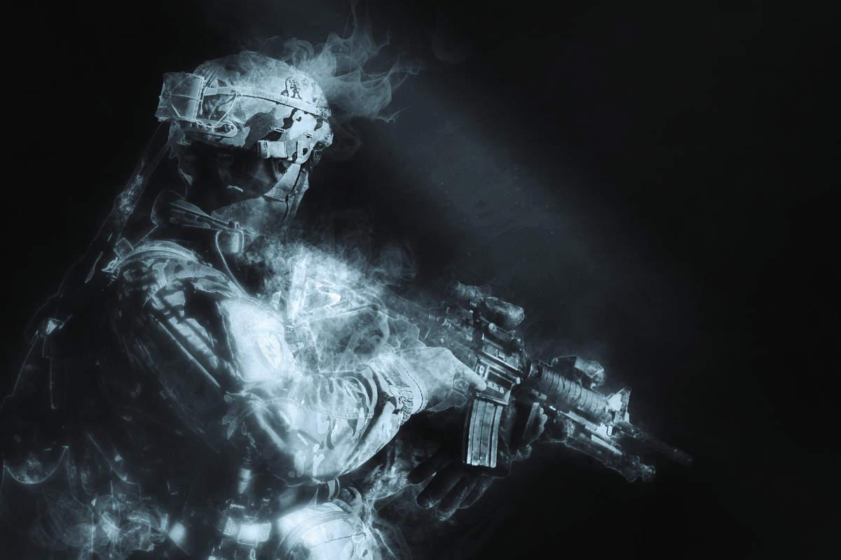 Silueta de un soldado con fusil
