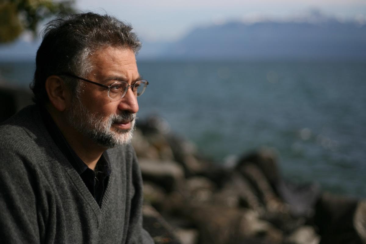 Daniel López Acuña, profesor asociado de la EASP, trabajó 30 años en la Organización Mundial de la Salud.