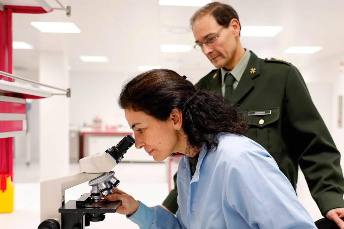 El coronel farmacéutico Antonio Juber�as Sánchez, director del Centro Militar de Farmacia de la Defensa.