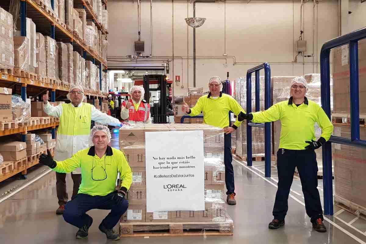 La fábrica internacional de Productos Capilares de L´Oreal, situada en Burgos, produce una media de 20.000 unidades diarias de geles desinfectantes.