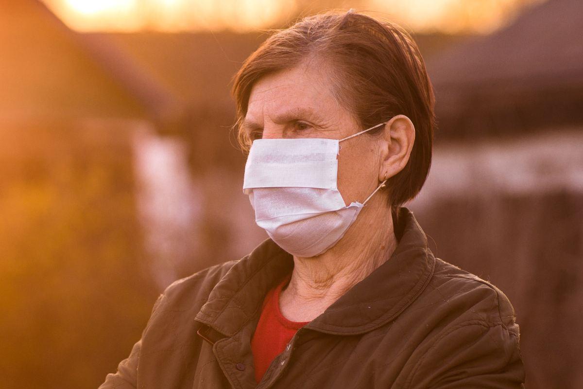 La grave crisis de Covid-19 es una oportunidad para desarrollar y dotar convenientemente la salud pública nacional.