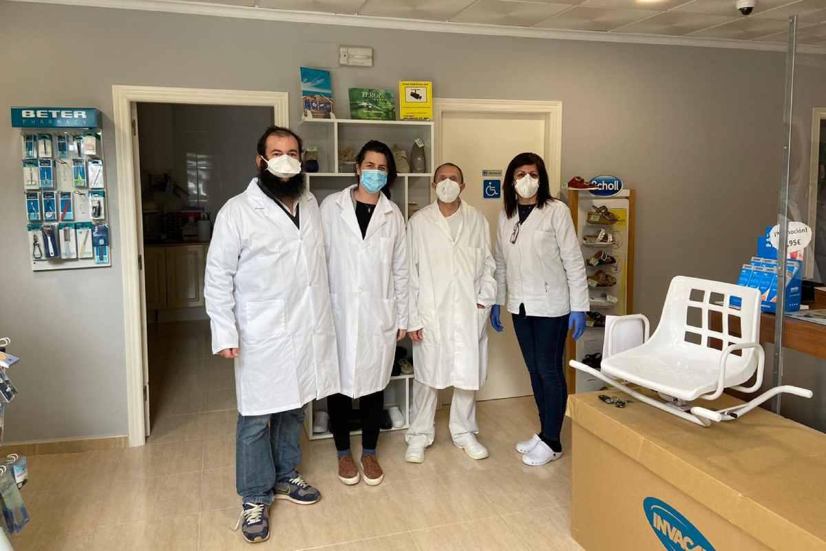 David Roca, Patricia Gallardo, Jordi García Carod y María Concepción Pinto, equipo de la ortopedia de Roca, en Castellón.