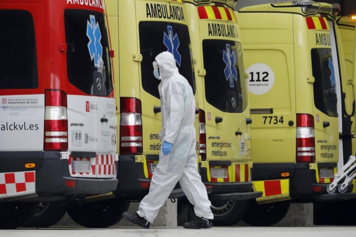 El personal de transporte sanitario es uno de los que debe gozar, según CCOO, de especial protección en este contexto.