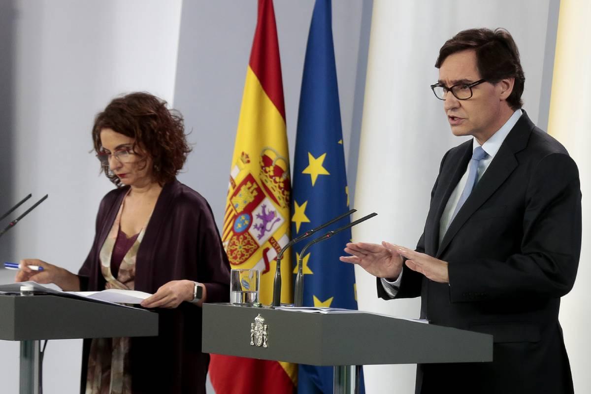 María Jesús Montero, ministra portavoz del Gobierno, y Salvador Illa, ministro de Sanidad
