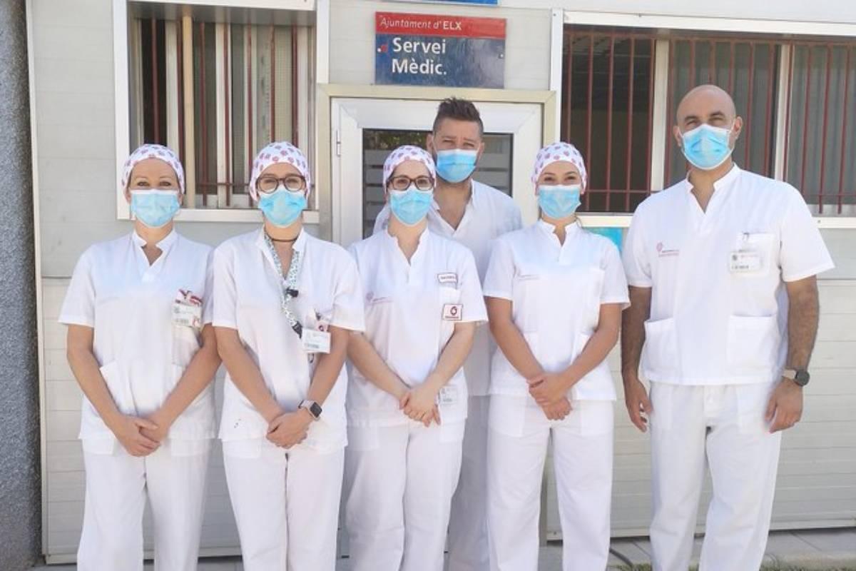 Profesionales del Ribera Salud realizan test de Covid-19 a empleados públicos del Ayuntamiento de Elche.