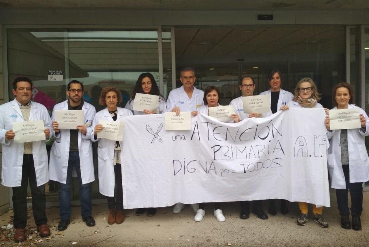 Imagen de una de las concentraciones semanales en un centro de salud de La Rioja.