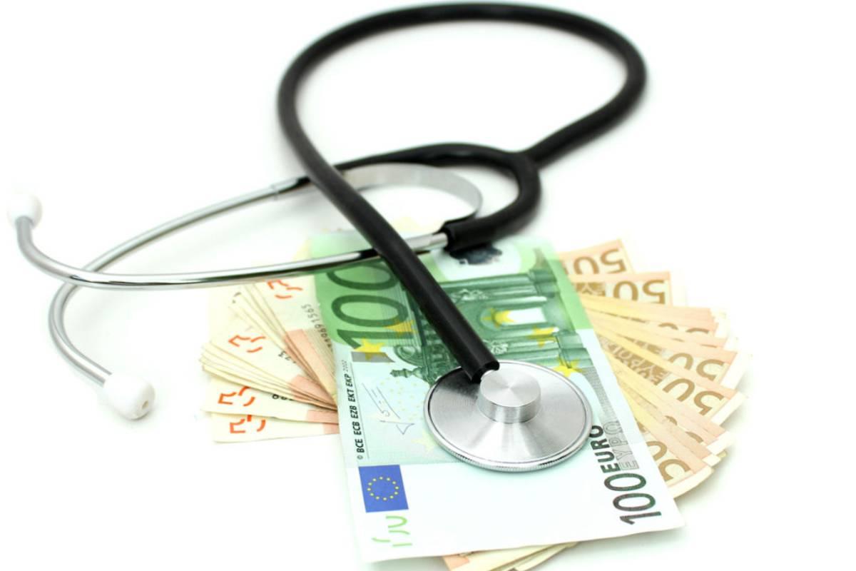 Los autores proponen que una vía para mejorar la aceptación de las cuotas de prescripción sería reinvertir el ahorro en atención sanitaria