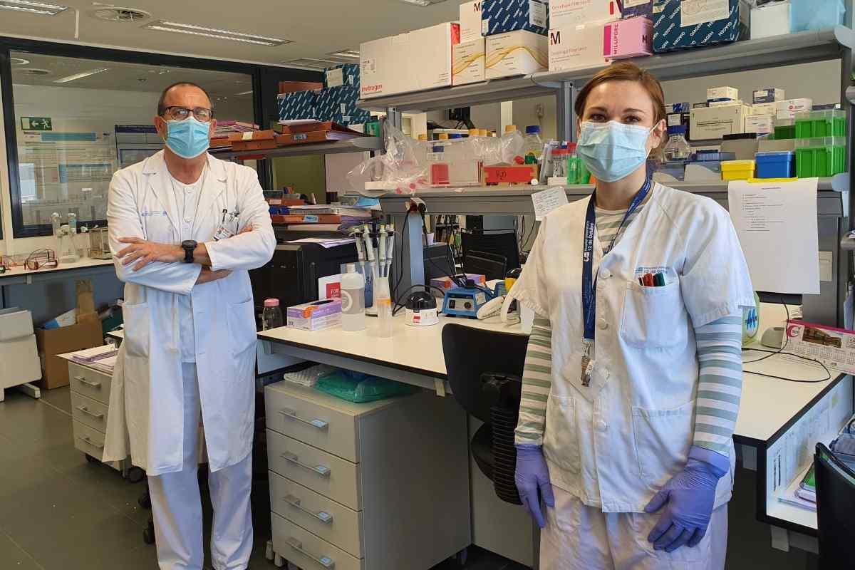 El equipo de Rafael Delgado, a la izquierda, es uno de los que valida el test de anticuerpos propuesto por la OMS.