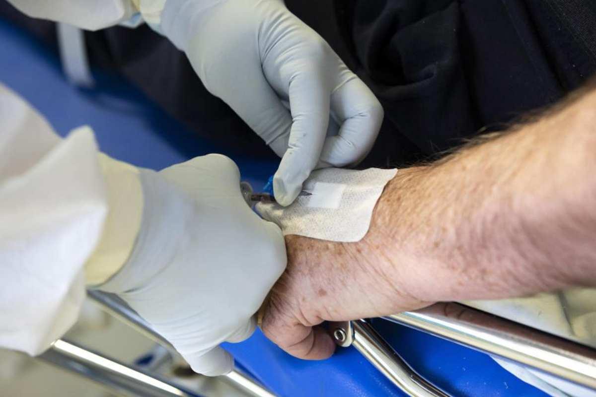Extracción de sangre para prueba de Covid-19.