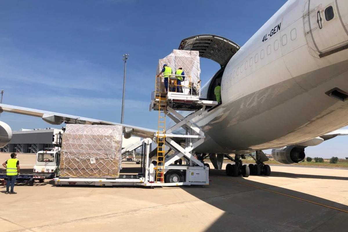 Mascarillas llegadas al aeropuerto de Ciudad Real procedentes de China.
