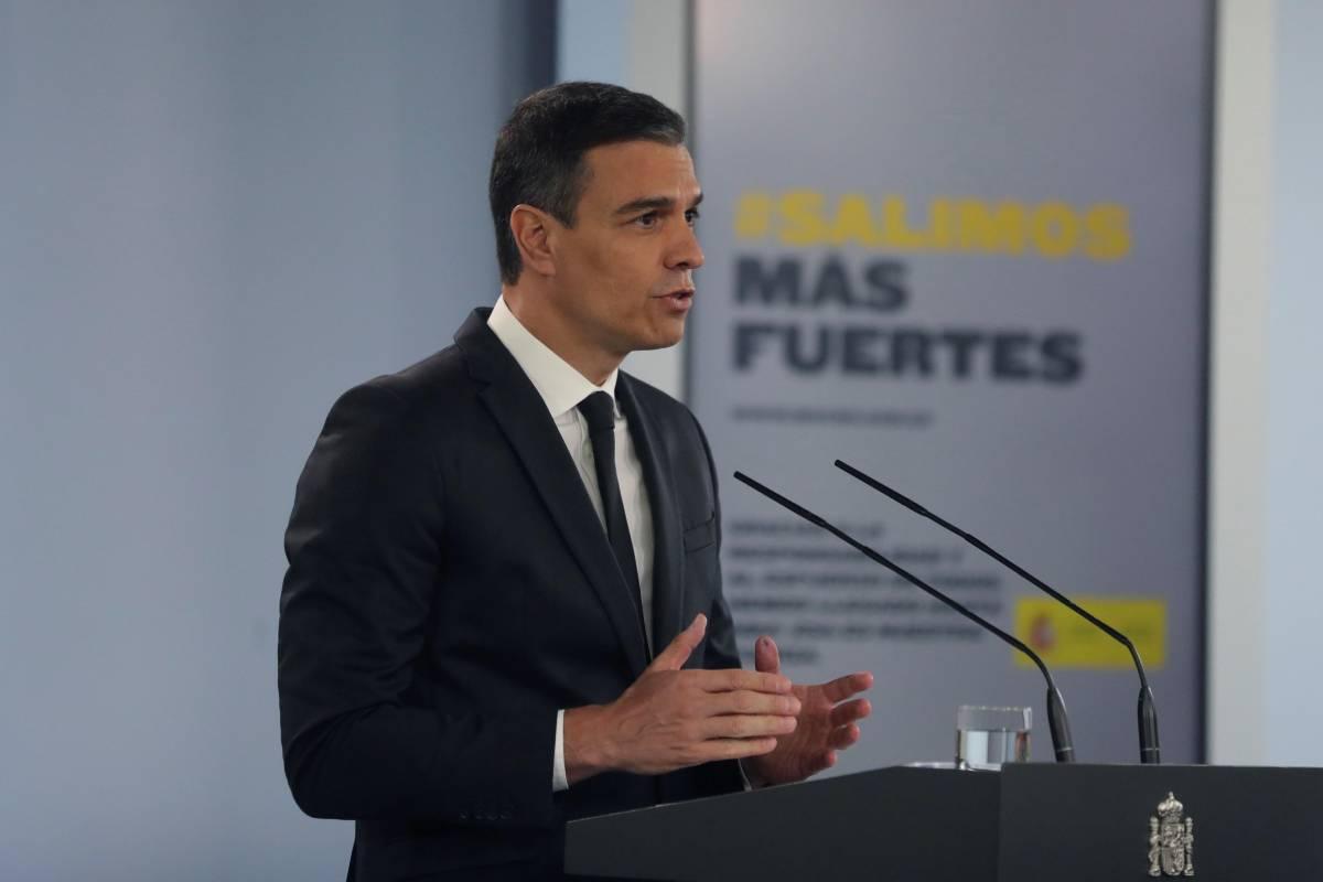 El presidente del Gobierno, Pedro Sánchez, tras la reunión con los presidentes autonómicos (EFE).