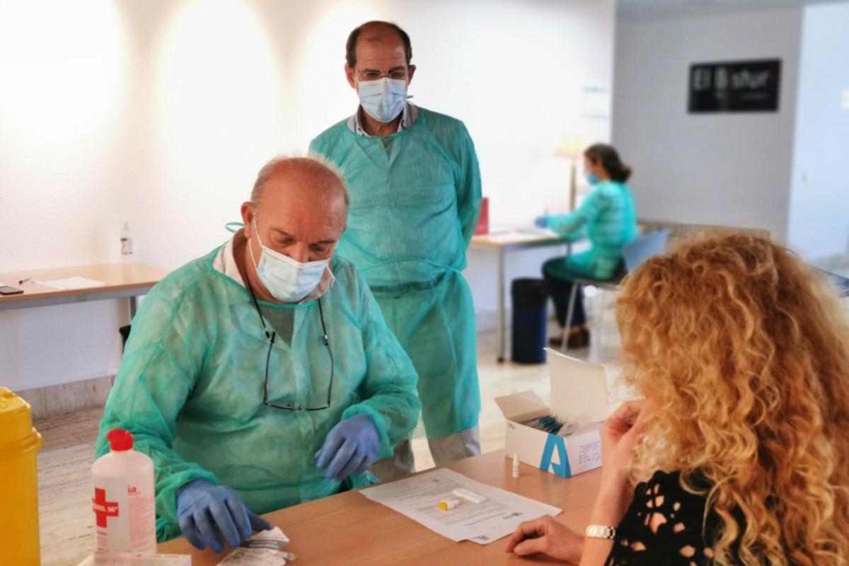 Campaña de test rápidos de la Covid-19 en el Colegio de Médicos de Alicante para los colegiados (COMA)
