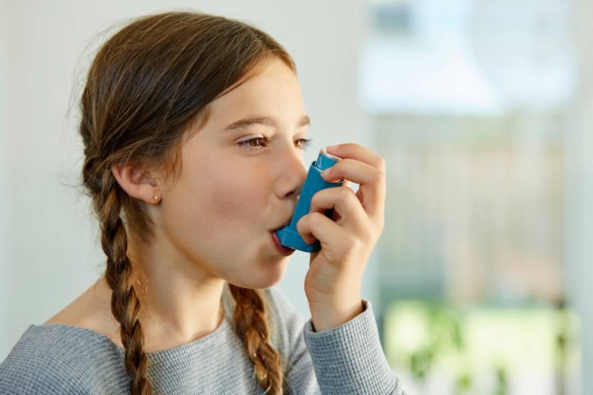 El coste medio asociado a un asmático no controlado es 3,7 veces superior al de un asmático controlado.