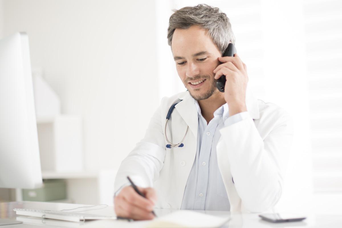 La asistencia telemática ha sido una de las vías más utilizadas para atender a muchos pacientes durante el estado de alarma.