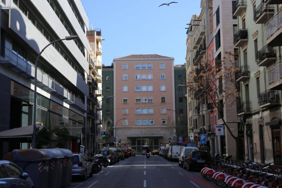 Fachada principal del Hospital Clínic de Barcelona.