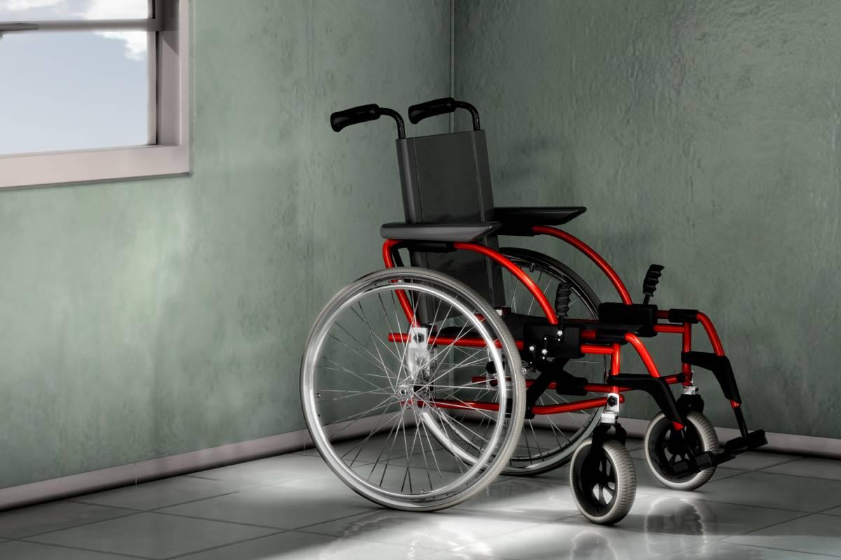 una de las ayudas técnicas más usadas por los pacientes con ELA es la silla de ruedas.