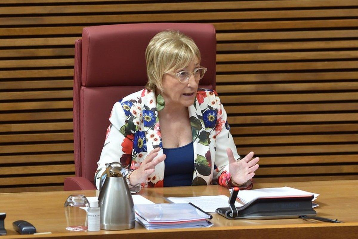 Ana Barceló, consejera de Sanidad de la Comunidad Valenciana, en una comparecencia en las Cortes autonómicas.