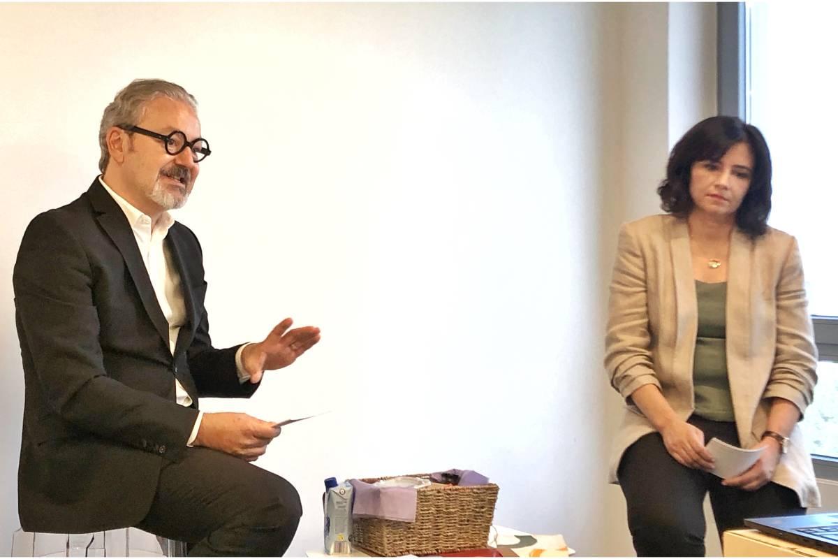 de Eduardo Barriga, Director General de Laboratorios BOIRON en España, junto con Sylvaine Balmy, Responsable de Comunicación Científica, durante la presentación.
