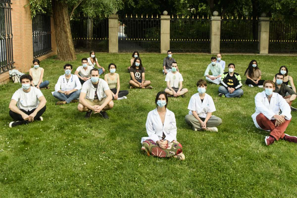 Miembros del Comité Huelga MIR de Madrid siguen esperando una respuesta de la consejería (Foto: Luis Camacho)